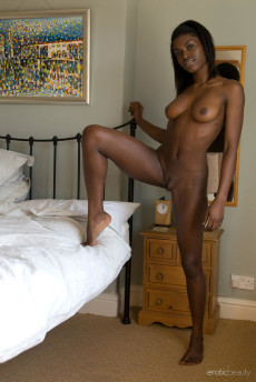 Naked Nigerian Woman