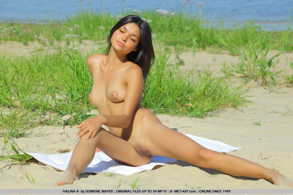 Hot girls nude gallery