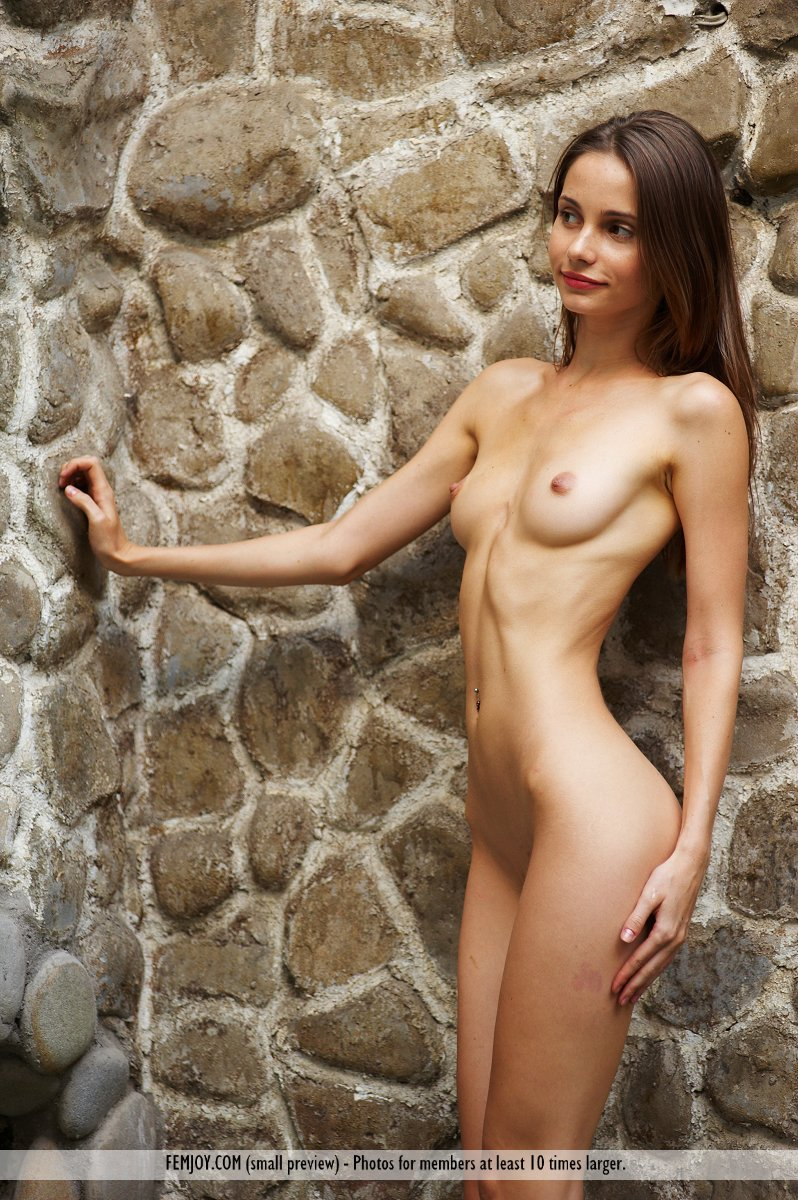 sexy skinny amateur women naked