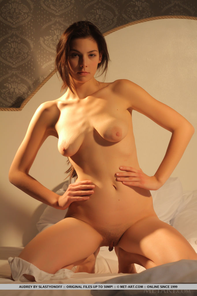 naked women geting humped